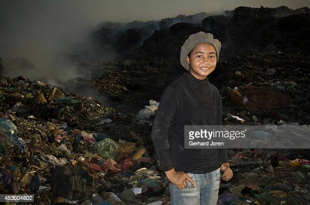 Poun Srey Na 13 years old doesn't have time to study Instead she has to help her family by sorting garbage at the dump which earns her USD 1 a day...