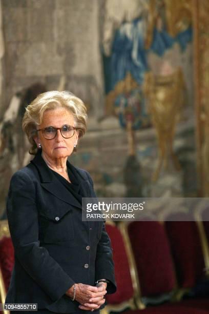 L'épouse du président de la République Bernadette Chirac assiste à une cérémonie de remise collective de décorations le 13 avril 2007 au Palais de...