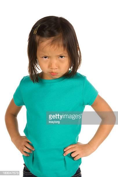 Pouting ragazza in Maglietta