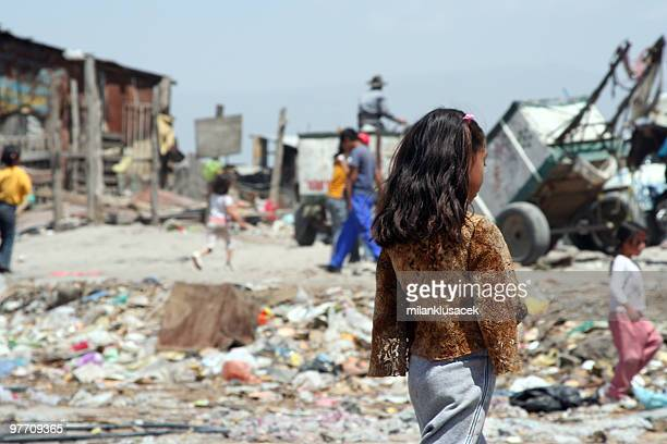 poverty - armoede stockfoto's en -beelden