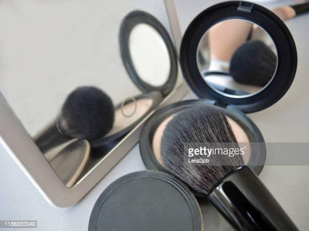 powder, brush, sponge and mirror - 白粉 ストックフォトと画像