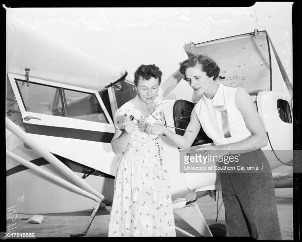Powder Puff Derby, 30 June 1955. Mrs Deed Holcomb -- 29 years;Mrs Jerry Gardiner -- 29 years;Mrs Dorothy Rungeling ;Miss Felicity Bennett;Mrs Faye...