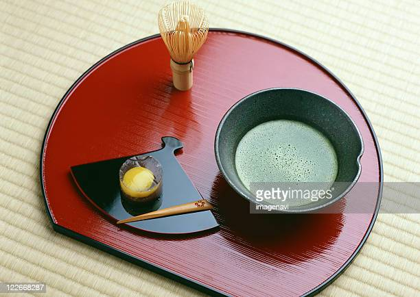 powdered green tea and japanese sweet - wagashi stock pictures, royalty-free photos & images