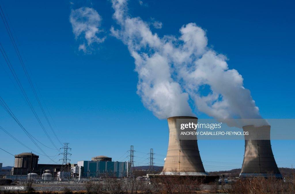 US-ENERGY-NUCLEAR-politics : News Photo