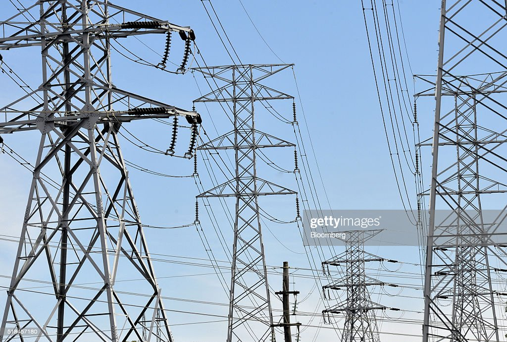 Power lines hang from Ausgrid transmission towers in Sydney,... News ...