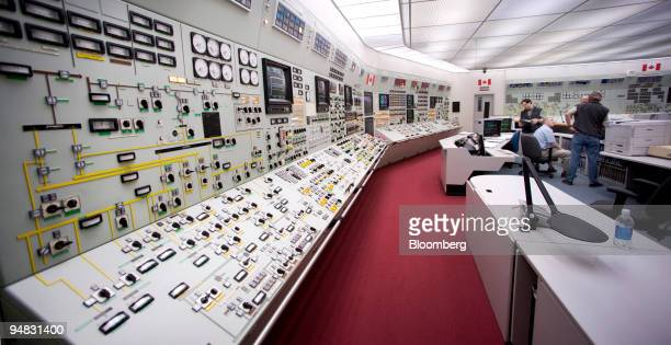 Power operators train using a control room simulator at the Bruce B nuclear power plant in Tiverton Ontario Canada on Monday April 28 2008 Bruce...