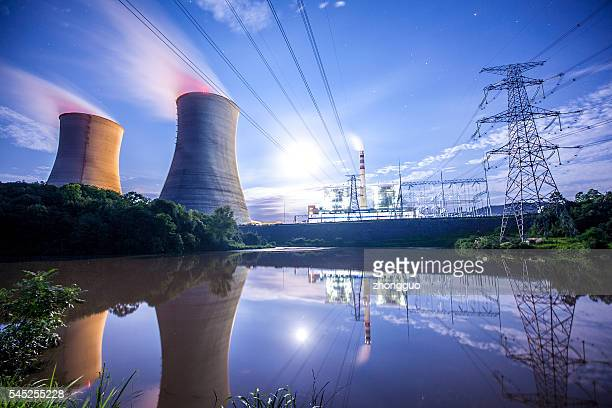 power plant  - energieindustrie stock-fotos und bilder