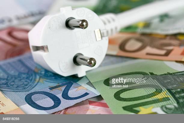 Power plug on banknotes