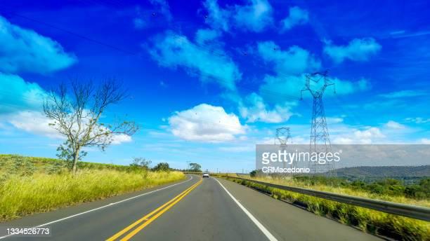 power transmission lines. - crmacedonio ストックフォトと画像