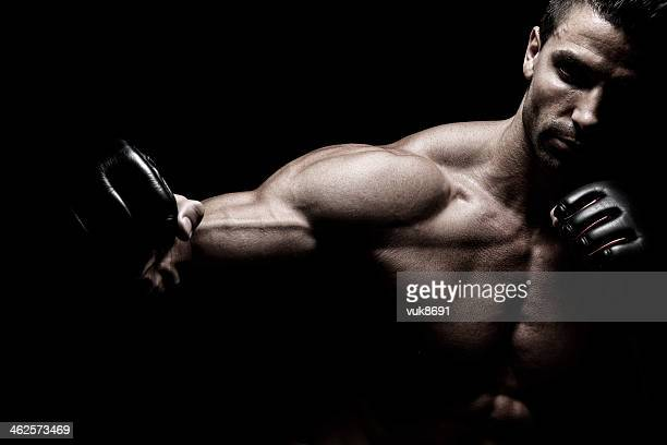powerful fighter - mixed martial arts stockfoto's en -beelden