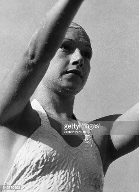 PoyntonHill DorothySportlerin Turmspringerin Kunstspringerin USA beim Turmspringen bei den Olympischen Spielen in Berlin 1936Aufnahme Lothar Ruebelt