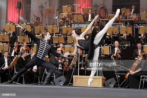 Poznan Ballet dancers Agnieszka Wolna and Dymitr Tenytsky at the Classic Open Air Festival on the Gendarmenmarkt Berlin with their show 'Dance Dance...