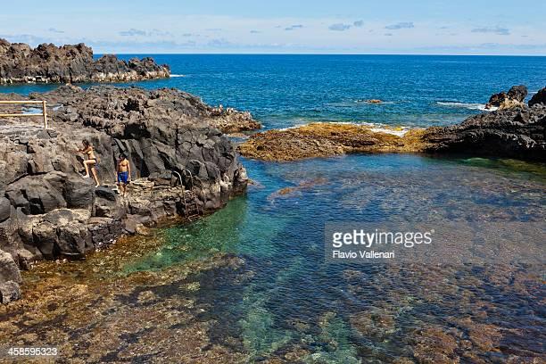 pozo de las calcosas, el hierro - islas canarias fotografías e imágenes de stock