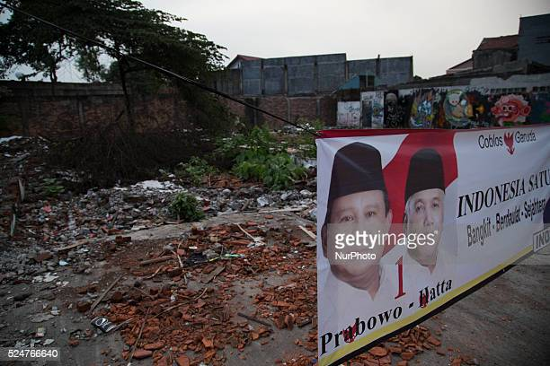PrabowoHatta poster campaign Although gain controversi from their musician supporter Ahmad Dhani who posting video of Queen Music and using Dress...