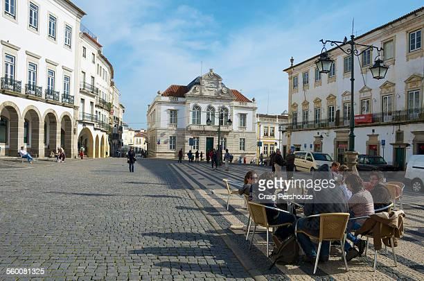 Praca do Giraldo, Evora's main square