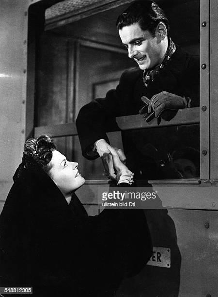 Prack Rudolf * Schauspieler Oesterreich mit Margot Hielscher in dem Film 'Reise in die Vergangenheit' 1943