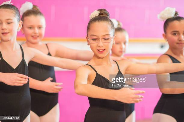 practicing dancing - performing arts center stock pictures, royalty-free photos & images