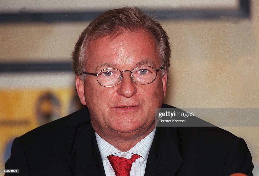 Dr. Gerd Niebaum