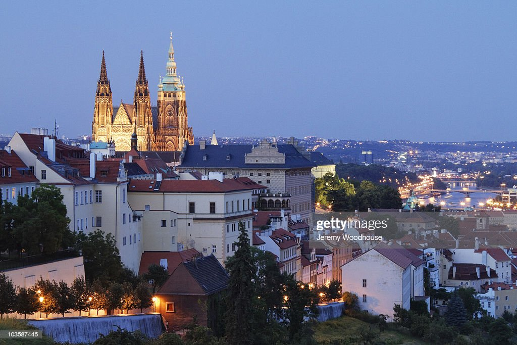 Prague Castle and St. Vitus Cathedral at dusk : Stock Photo