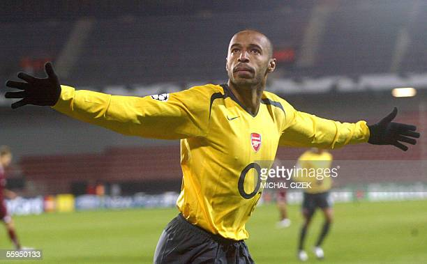 Prague, CZECH REPUBLIC: Frenchman Thierry Henry of FC Arsenal celebrates after he scored against Sparta Prague in their UEFA Champions League, group...