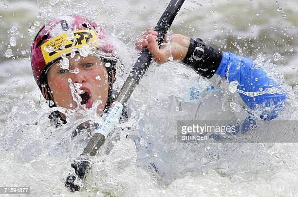 Prague, CZECH REPUBLIC: Slovakia's Gabriela Stacherova competes at the K1 Women race at the ICF Canoe/Kayak Slalom Racing World Championships 2006 in...