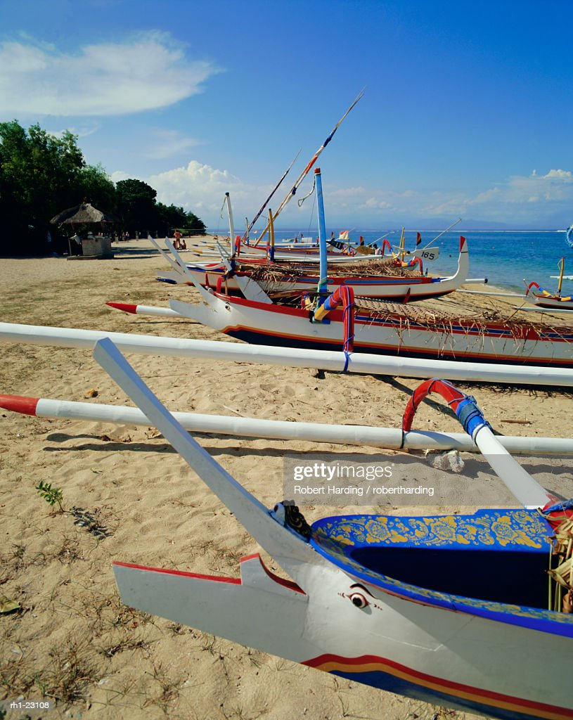 Prahu, local outrigger boats, Sanur Beach, Bali, Indonesia, Asia : Foto de stock