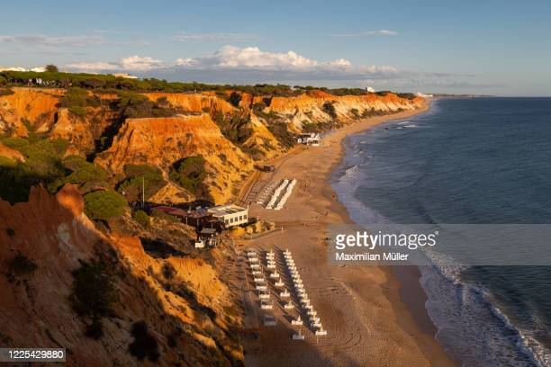 praia da falésia, albufeira, portugal - albufeira stock pictures, royalty-free photos & images