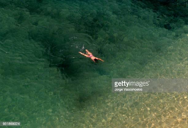 praia da marinha - algarve - portugal - july 08 1994 - 05 - distrito de faro portugal imagens e fotografias de stock
