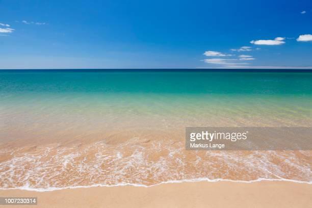 praia de tres irmaos beach, atlantic ocean, alvor, algarve, portugal, europe - alvor stock pictures, royalty-free photos & images