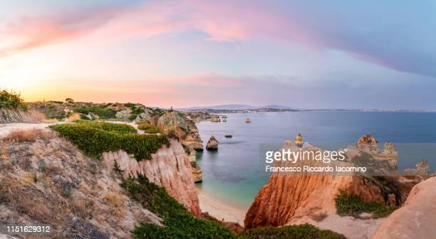 praia do camilo at sunset, algarve, portugal. panorama - algarve imagens e fotografias de stock