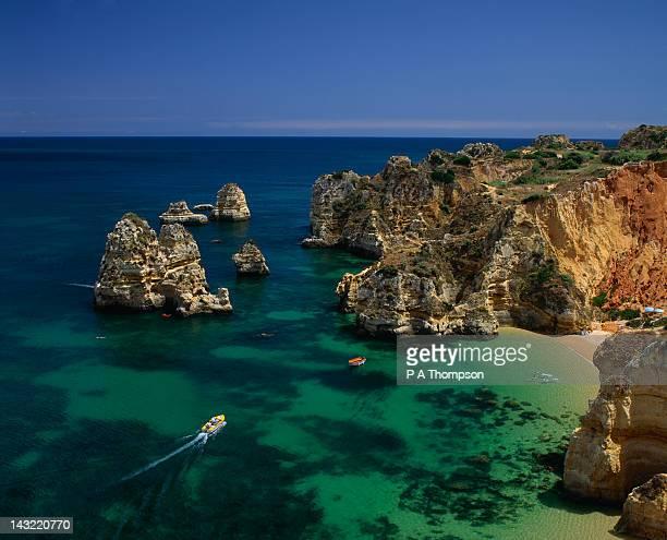 praia do camilo, lagos, algarve, portugal - algarve imagens e fotografias de stock