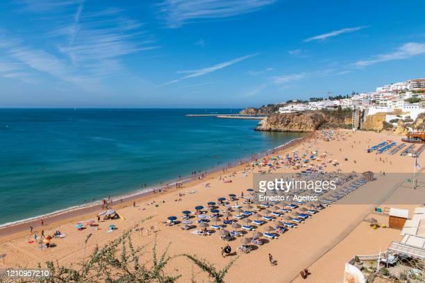 praia do peneco (peneco beach), albufeira, portugal - albufeira stock pictures, royalty-free photos & images