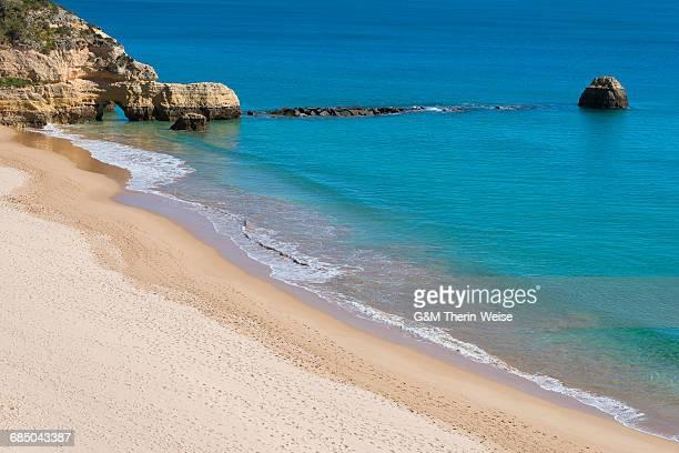 praia dos tres castelos, portimao, algarve, portugal, europe - portimao stock photos and pictures