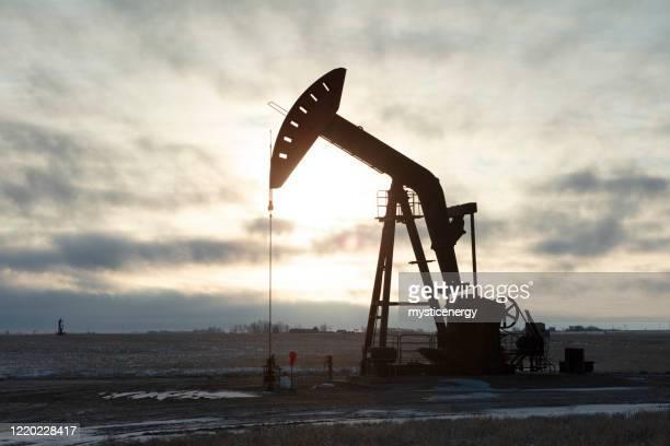 prairie oil saskatchewan canada - fracking stock pictures, royalty-free photos & images
