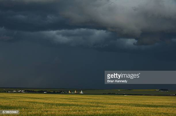 prairie town landscape - canadian prairies stock photos and pictures