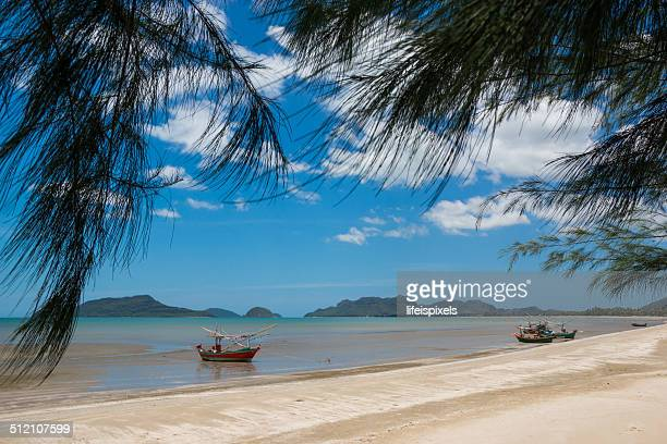 pranburi beach - lifeispixels stock pictures, royalty-free photos & images