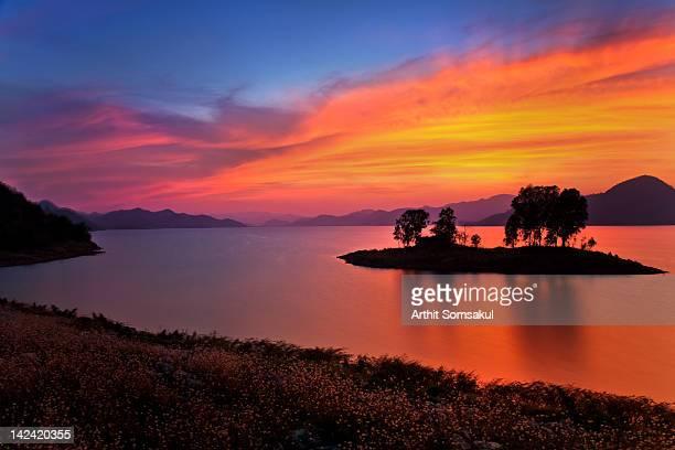 pranburi dam - prachuap khiri khan province stock pictures, royalty-free photos & images