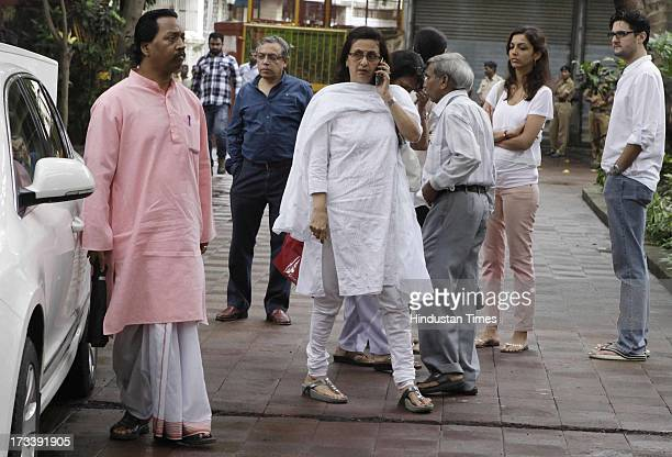 Pran's daughter Pinky during the cremation ceremony of his father and Bollywood actor Pran at Shivaji Park Crematorium Dadar on July 13 2013 in...