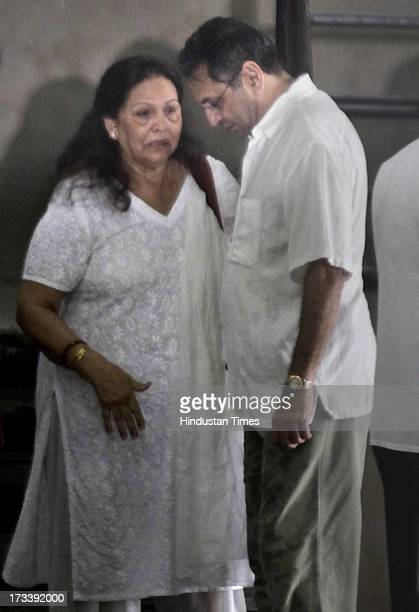 Pran's son Sunil Sikand during the cremation ceremony of his father and Bollywood actor Pran at Shivaji Park Crematorium Dadar on July 13 2013 in...