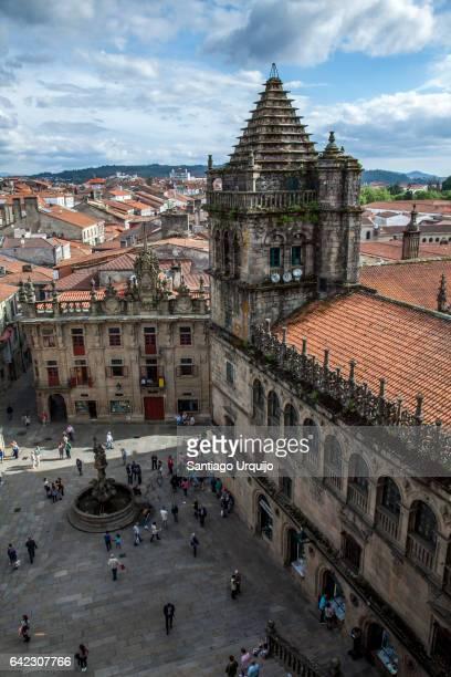 praterias square from santiago de compostela cathedral roof - cattedrale di san giacomo a santiago di compostela foto e immagini stock