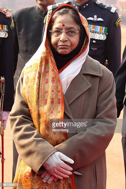Pratibha Patil India's president stands at a welcoming ceremony for Lee Myung Bak South Korea's president unseen at the presidential palace in New...