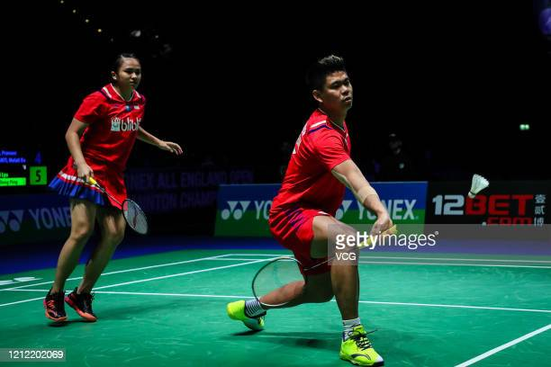 Praveen Jordan and Melati Daeva Oktavianti of Indonesia compete in the Mixed Doubles quarter-final match against Wang Yilyu and Huang Dongping of...