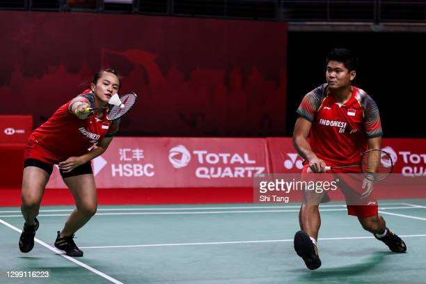 Praveen Jordan and Melati Daeva Oktavianti of Indonesia compete in the Mixed Doubles round robin match against Marcus Ellis and Lauren Smith of...