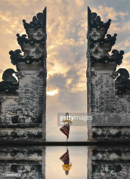 pray - bali stock pictures, royalty-free photos & images