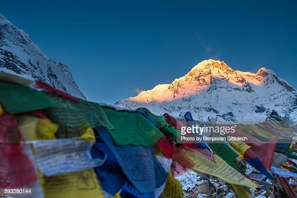 Prayer flags and Annapurna mounatain range