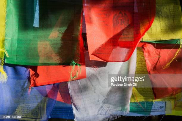 prayer flags hang in the durbar square in bhaktapur, nepal. - 復活徹夜祭 ストックフォトと画像