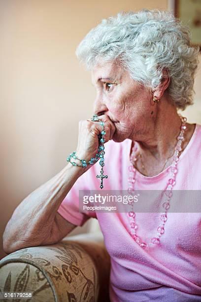 Oración da su esperanza en los momentos de desesperanza