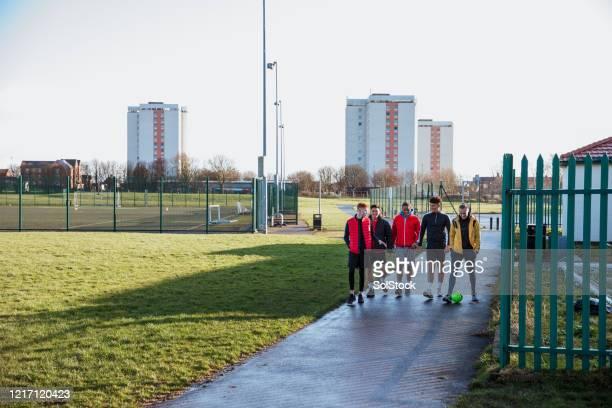 pre game tactics - street style stock pictures, royalty-free photos & images