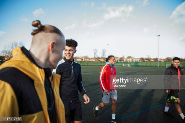 pre match nerves - training grounds stock pictures, royalty-free photos & images