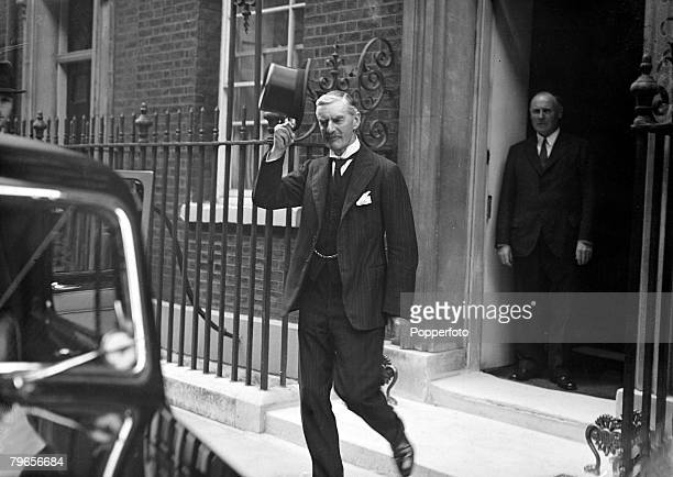 27th August 1939 The British Prime Minister Neville Chamberlain leaves No 10 Downing Street to see the King at Buckingham Palace to formulate answers...